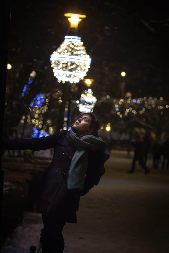jak robić zdjęcia w nocy nocą lampa ela