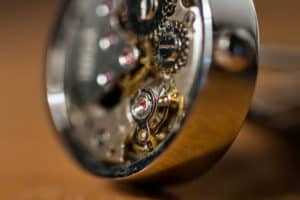 Spinki mechanizm zegarek portfolio fotografia produktowa