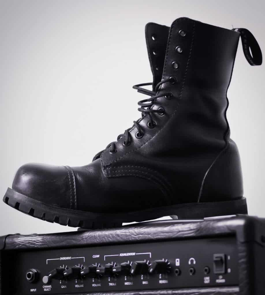 jak uzyskać białe tło na zdjęciu - buty bokehphotos