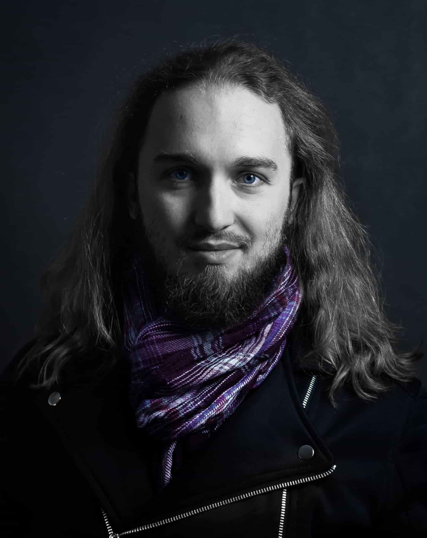 Jak zrobić czarne zdjęcie i czarne tło autoportret Kowcio