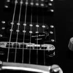 Foto wyzwanie fotografia produktowa kostka do gitary harley benton