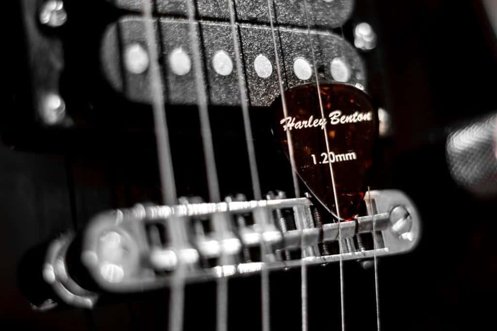 Foto wyzwanie fotografia produktowa dzień drugi kostki do gitary 8 1024x682 - Fotografia produktów w aranżacji