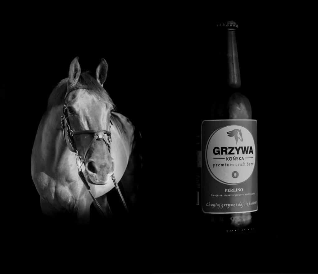 Fotografia produktowa butelki piwa Końska Grzywa 3 bw 1024x885 - Fotografia produktowa butelki piwa