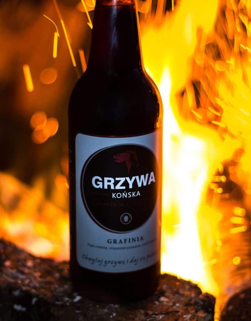 Końska Grzywa na grilla. 2 2 801x1024 - Fotografia produktowa butelki piwa