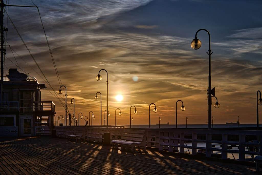 Sopot Długi czas naświetlania wschód słońca sopot  20 04 2019 0063 1024x682 - Emocje w fotografii czyli 12 sposobów na emocjonujące zdjęcia !