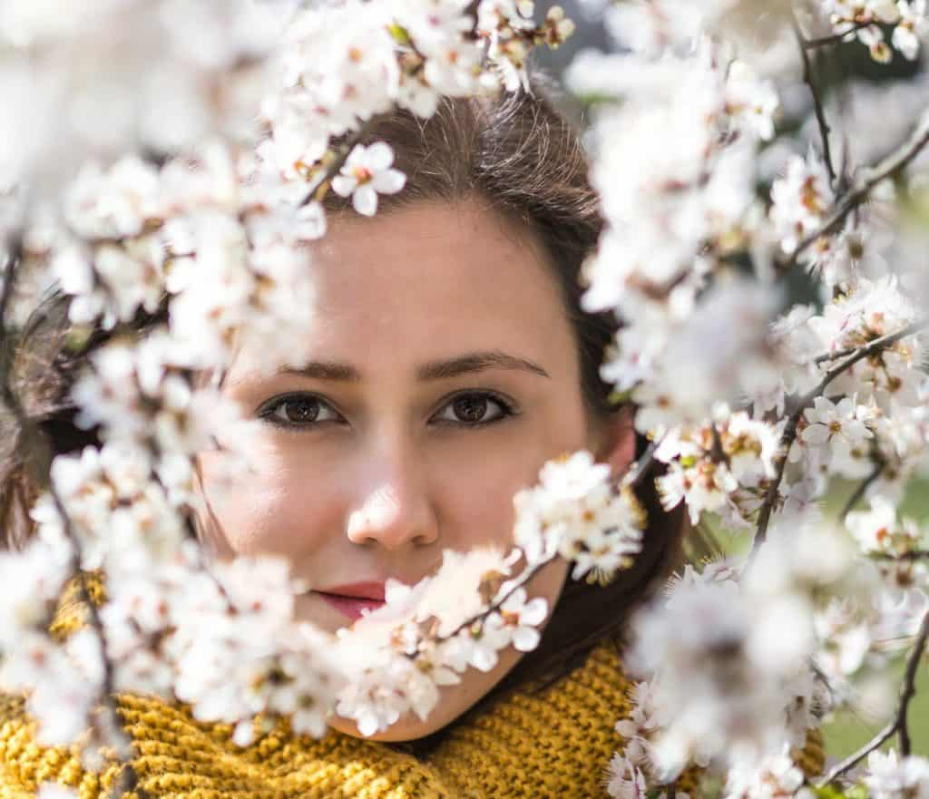 Wiosenny portret moda i kwiaty la Ell 23 1024x881 - Wiosenny portret z kwiatami
