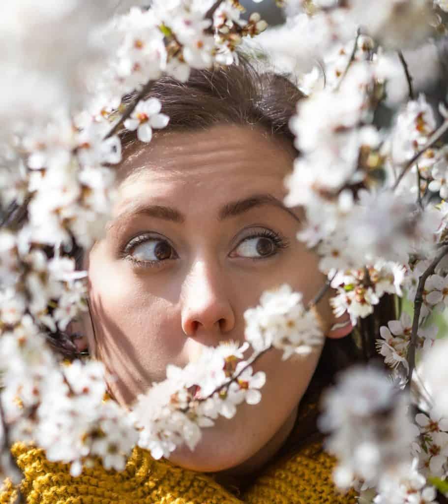 Wiosenny portret moda i kwiaty la Ell 24 911x1024 - Wiosenny portret z kwiatami
