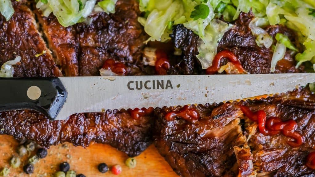 Fotografia produktu w aranżacji mięso stek i nóż do steku Richardson Sheffield 9 1024x576 - Fotografia produktów w aranżacji
