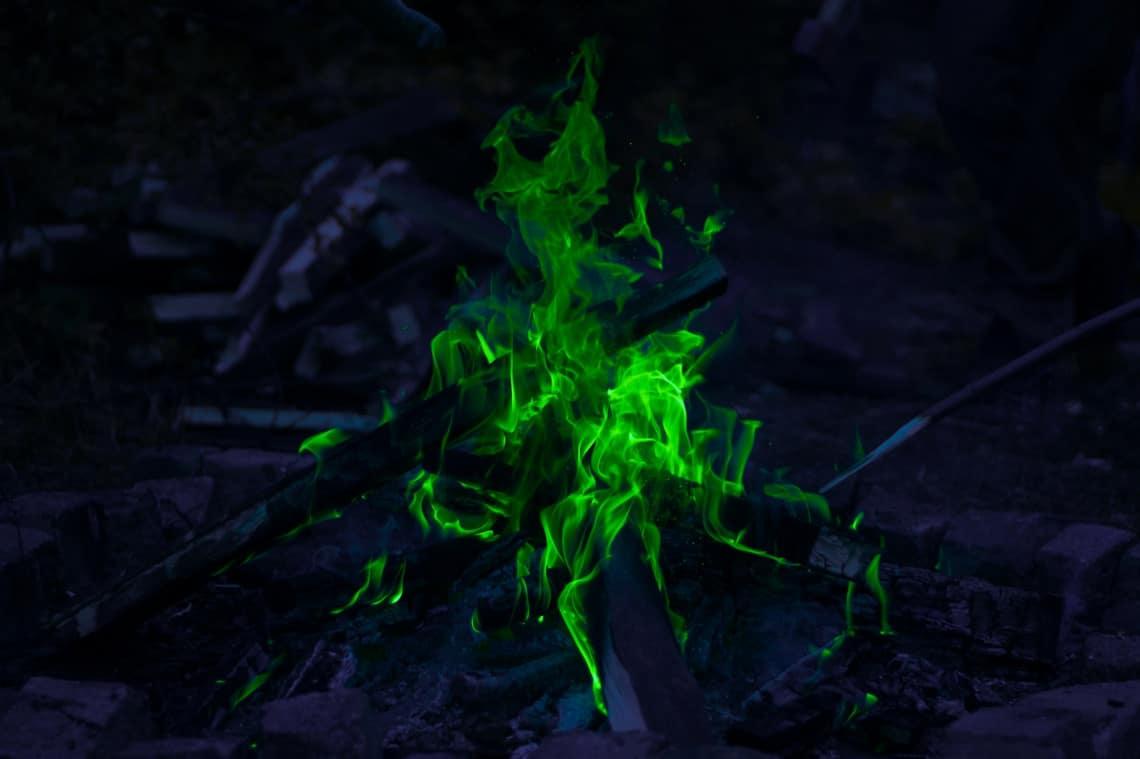 Kolorowanie zdjęć zielony ogień post produkcja luminar channel mixer