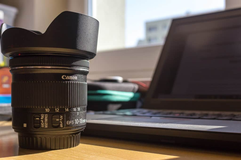Canon obiektyw szerokokątny Canon 10-18mm budowa-1