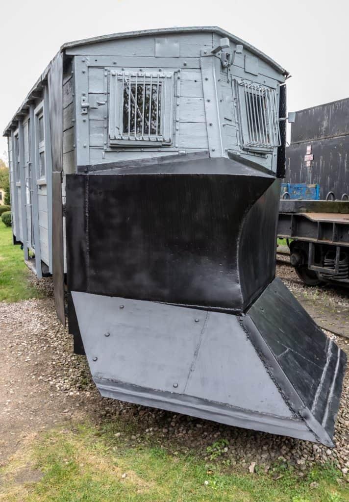 Muzeum kolejnictwa Kościerzyna i zdjęcia pociągów do odśnieżania 712x1024 - Muzeum kolejnictwa Kościerzyna