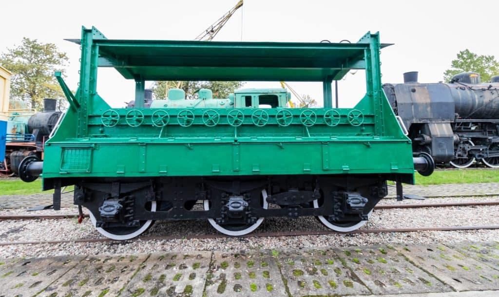 Muzeum kolejnictwa Kościerzyna i zdjęcia pociągów - wagon z odwaznikami do pomiarów