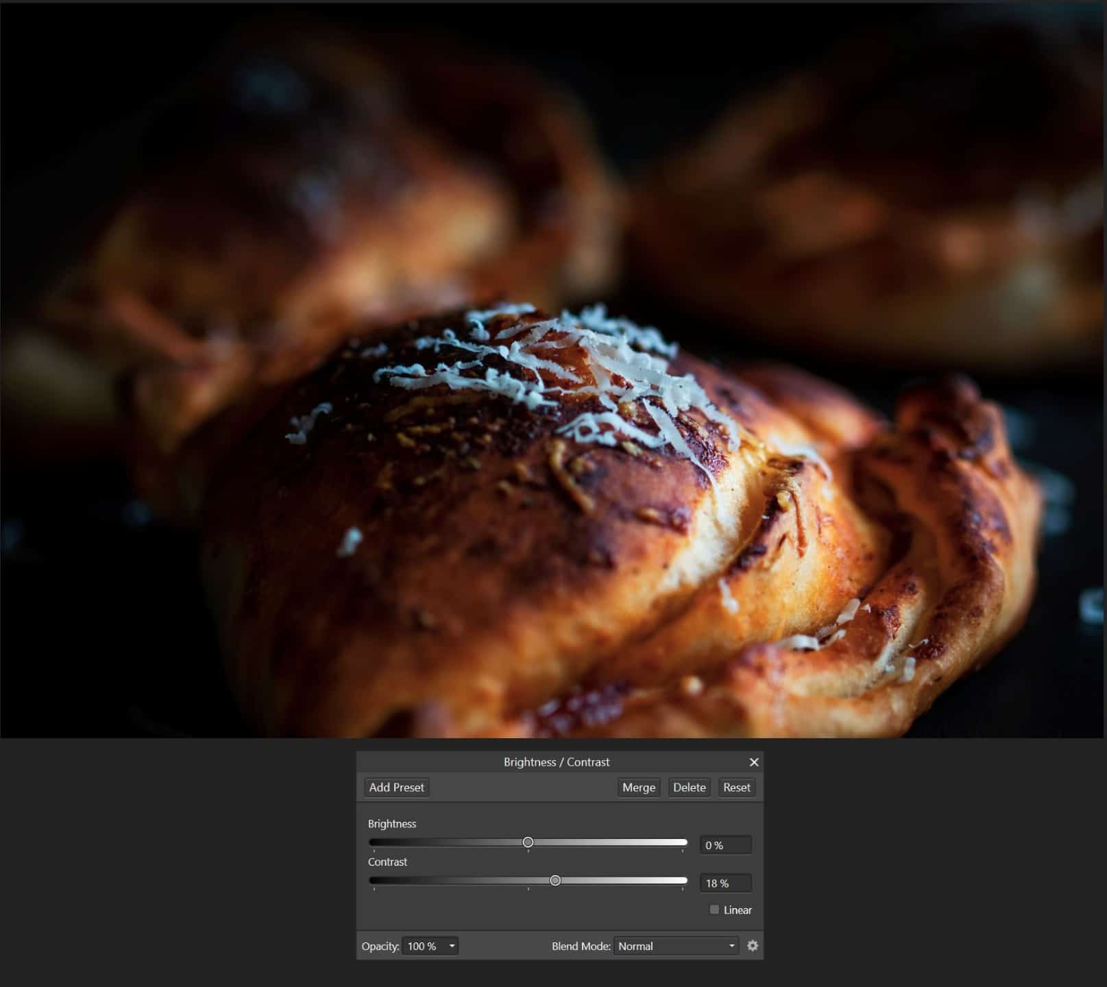 Podstawowe wyostrzanie zwiększenie kontrastu Affinity Photo - Czarna fotografia produktowa