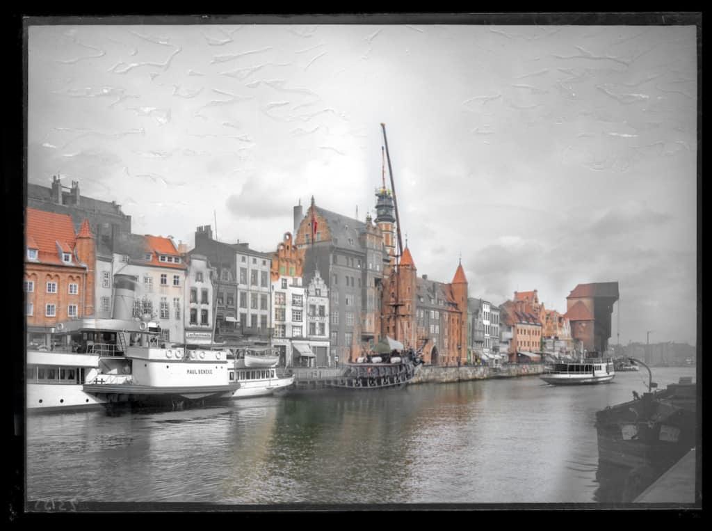 Historyczne zdjecia Gdanska motlawa widok z mostu 1024x763 - Zdjęcia starego Gdańska. Kompozycja w 5 prostych krokach !