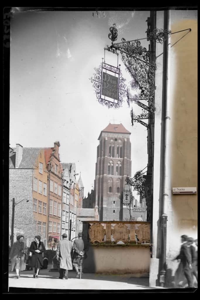 Historyczne zdjecia Gdanska ulica Piwna IS PAN 000063507 683x1024 - Zdjęcia starego Gdańska. Kompozycja w 5 prostych krokach !