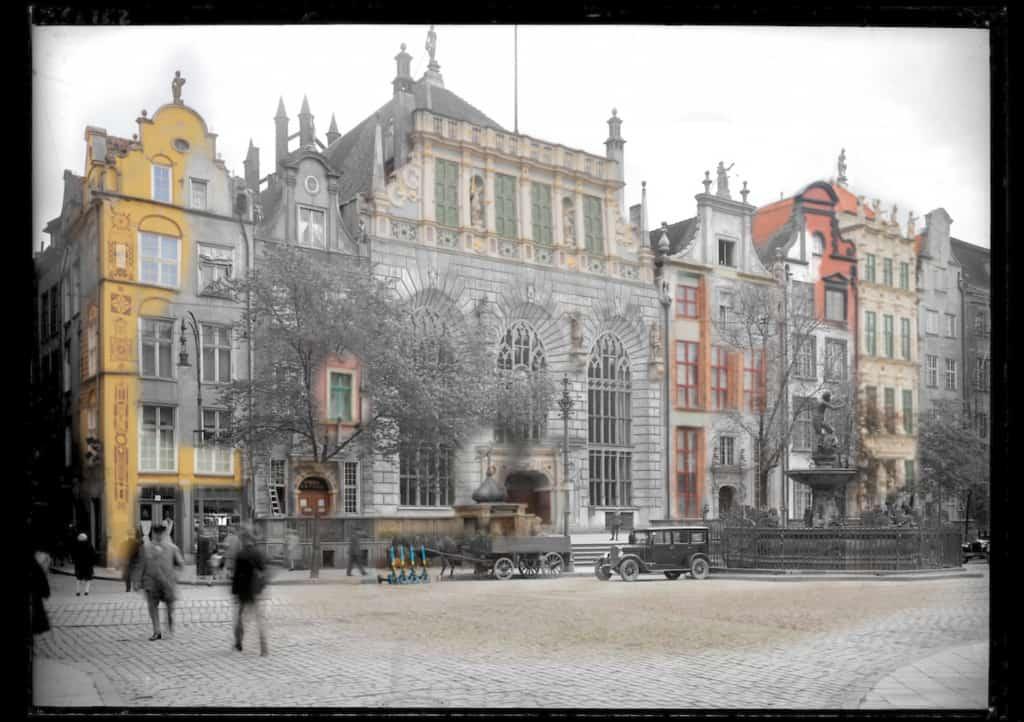 Zdjecia starego Gdanska Dwor Artusa i Neptun IS PAN 0000023149 1024x722 - Zdjęcia starego Gdańska. Kompozycja w 5 prostych krokach !
