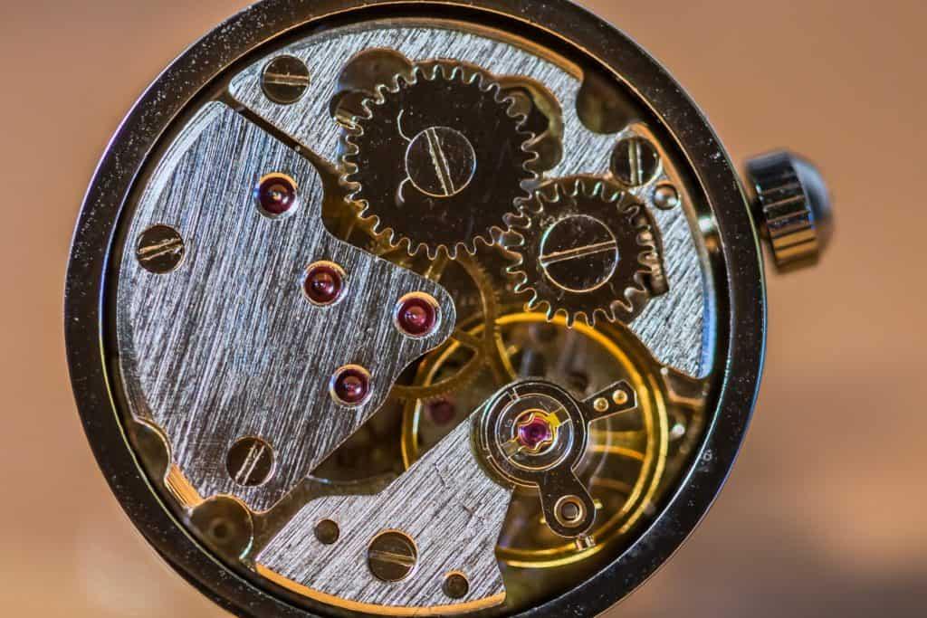 Makrofotografia produktowa spinki 1024x683 - Makrofotografia poradnik i 7 pomysłów